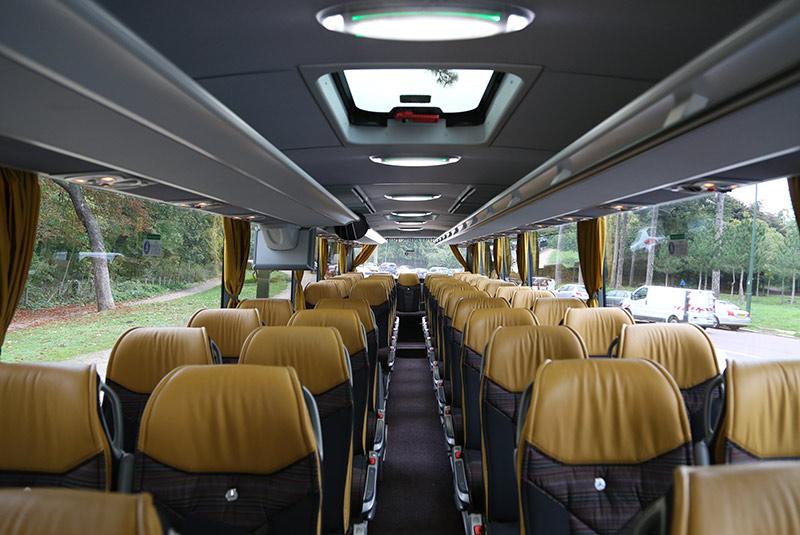 autocar de 49 60 places. Black Bedroom Furniture Sets. Home Design Ideas